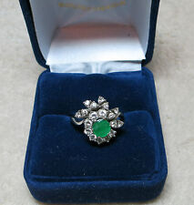 Bague diamants et émeraude./ Ring in 18 carat white gold with emerald,diamonds.
