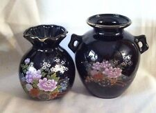 2 VINTAGE 5'' ASIAN ORIENTAL FLORAL VASES BLACK GOLD TRIM RICKSHAW WITH FLOWERS