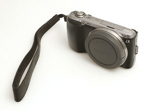 SONY Systemkamera NEX-3C Gehäuse mit 16.2 Megapixel APS-C Sensor 1265 Auslösunge