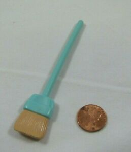PLAYSKOOL Dollhouse TURQUOISE BROOM for LAUNDRY ROOM for Loving Family 4 inches