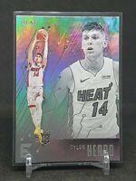 2019-20 Chronicles Tyler Herro RC, Rookie Essentials Holo, Miami Heat