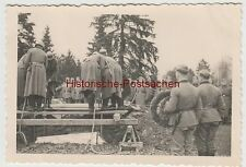 (F4051) Orig. Foto Beerdigung eines deutschen Soldaten, Frankreich 1939-40