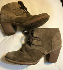 Clarks Artisan TAUPE MINK BROWN Suede LACE UP Ankle Boots RUBBER HEEL UK 4.5 D