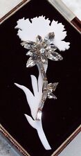 BEAUTIFUL JEWELLERY CLEAR CRYSTAL WHITE RESIN CARNATION FLOWER BROOCH PIN