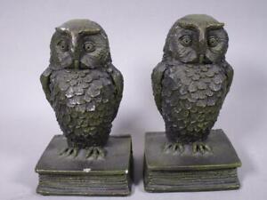 Dekoratives Buchstützenpaar, Eulen auf Buch á ca. 21 cm H    3N8808