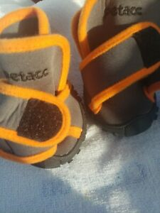 Petacc Dog Boots Waterproof Shoes Pet Boots Outdoor Size Medium only 2