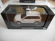 Minichamps VW Volkswagen Touareg in Campanellaweiss on 1:43 in Box