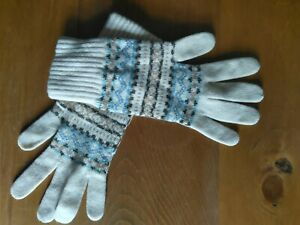 Brora 100% Cashmere Fair Isle Gloves. Cream and Blue. Excellent Condition