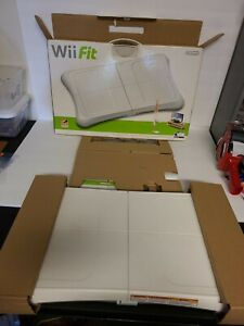 Wii Fit (Wii, 2008) Complete With Game, Balance Board, Manual, & Accessories EUC
