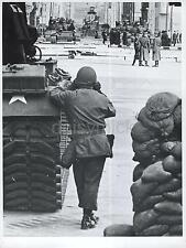 Checkpoint Charlie Berlin Germany US Army Troops 1961 7x5 Inch Reprint Photo