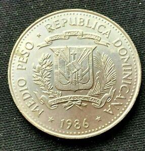 1986 Dominican Republic  1/2 Peso Coin BU UNC Copper Nickel World Coin    #K1445