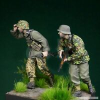 1/35 Resin WWII 2 German Soldiers in Poland Unpainted unassembled BL999