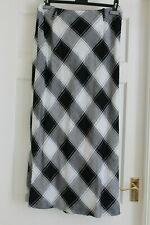 Catherina Hepfer size 16 Black & White Checked linen blend skirt hardly worn
