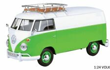 Motormax Volkswagen VW Type 2 (T1) Split Screen Van Lime Green.  1:24