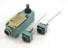 Telemecanique Endschalter Limit Switch XC2-J | mit 2x Federstabantrieb