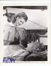Paul Henried barechested, Maureen O'Hara VINTAGE Photo Spanish Main