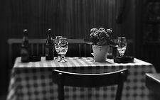 Incorniciato stampa-Black & White ancora vita CAFE con birra in tavola (PICTURE POSTER)