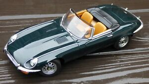 AutoАrt 1:18 Jaguar E-Type V12 S3 British Dark Racing Green Convertible Toy Car