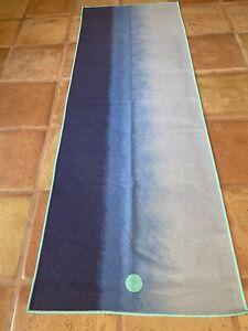 Manduka Skidless Yogitoes Yoga Mat Grip Towel Ombré Blue To White Hot Yoga Yogi