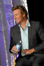 SIMON BAKER UNSIGNED PHOTO - 250 - HANDSOME!!!