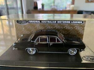 Trax. 1:43 Scale. TR32E. 1966 HR Holden Sedan (Premier). Warrigal Black