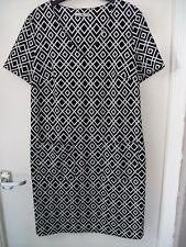 "Tu Shift Dress, in jersey pop art design in tessuto. Taglia 8, ma si adatta busto anni'10 (35"")"