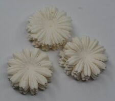 100 WHITE DAISY FLOWER PETAL (2.5 cm) Mulberry Paper Flowers for cards wedding