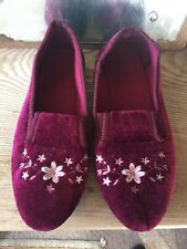 Burgundy Womens Full Shoe Slippers - UK 8