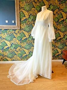 Fab Vintage 1970s Cream Wedding Dress Puffy Sleeves Bridal Gown With Train 8