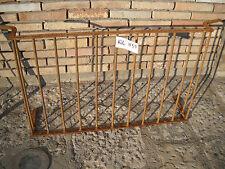 antica ringhiera balaustra grata parapetto per camino in ferro battuto rivettato