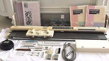 SINGER STUDIO ELECTRONIC KNITTING MACHINE SK580 MOD.580 4.5MM STD GAUGE MACHINE