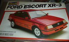 REVELL FORD ESCORT XR-3 1981 FS MODEL CAR MOUNTAIN KIT 1/25