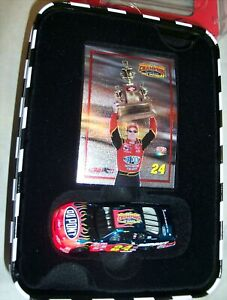 1:64 ACTION 2001 #24 DUPONT WINSTON CUP CHAMPION COLOR CHROME IN TIN JEFF GORDON