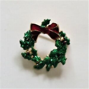 Christmas Pin Brooch Gold Plated Unbranded Green Wreath With Red Ribbon EUC