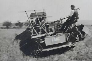 Foto Traktor Trecker Lanz Bulldog mit Ernter Niederwiesa bei Chemnitz vor 45