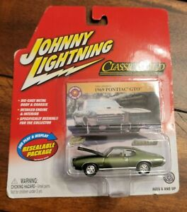2004 Johnny Lightning Rare Green Classic Gold 1969 Pontiac GTO Limited Edition