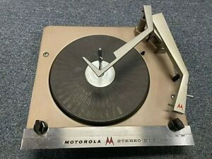 VINTAGE MOTOROLA /VOICE OF MUSIC STEREO RECORD CHANGER 1211