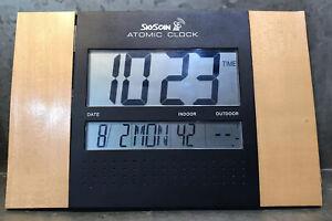 SkyScan - Atomic Digital Clock - 86722 Wall Hanging Works Great No Remote Temp