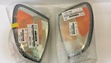 LEXUS OEM DRIVER / PASSENGER CORNER TURN SIGNAL LAMP HOUSING 2003-2007 LX470