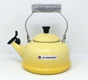 LE CREUSET Tea Kettle, 1.7 qt (1.6L) Soleil Yellow Classic Whistling Teapot