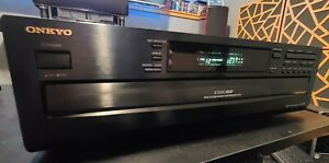 Onkyo Compact 6 Disc Changer DX-C370 with Original Remote