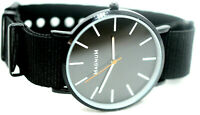 Magnum Unisex Uhr mit Natoband Schwarz