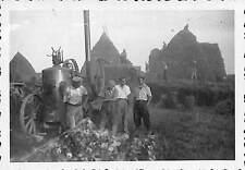 PHOTO MACHINE AGRICOLE, BATTEUSE, RENTREE DES FOINS MOISSON