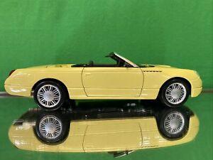 Maisto Thunderbird 1/18 scale  diecast model