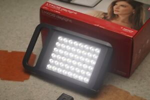 Manfrotto LYKOS Daylight On-Camera LED Light with 2 Batteries ***GREAT***