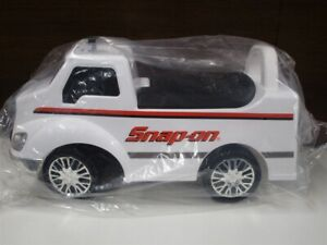 Snap-on Ride On Kids Truck white BRAND NEW IN BOX
