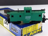 AHM 5485 K Penn Central Extended Vision Caboose 4751 HO Scale