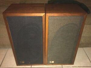 VINTAGE PAIR OF EPI M100 SPEAKERS BOTH SOUND GREAT !