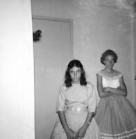 PARTY GIRLS Vintage FOUND PHOTOGRAPH bw FREE SHIPPING Original Snapshot 97 19 D