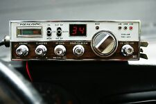 Realistic CB Radio Model 21-1565 TRC-451 Tested Has Power 40 Channel with Mic